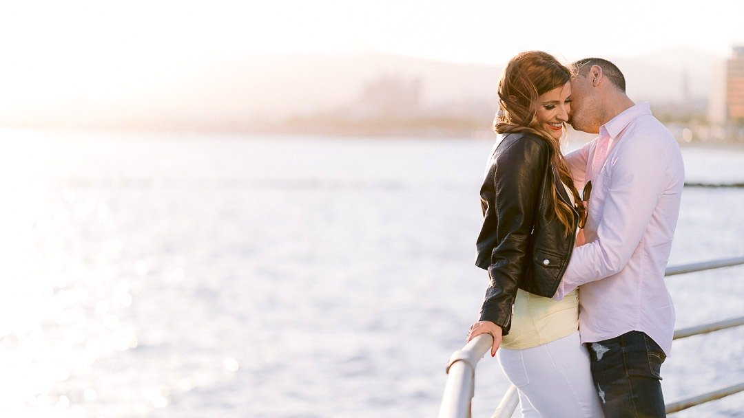 Engagement Session in Portixol bay in Palma de Mallorca. Ready for a High end Wedding with Mari from Heirat Mallorca