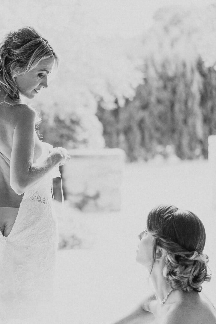Bride Getting Ready for Mallorca Destination Wedding Photography