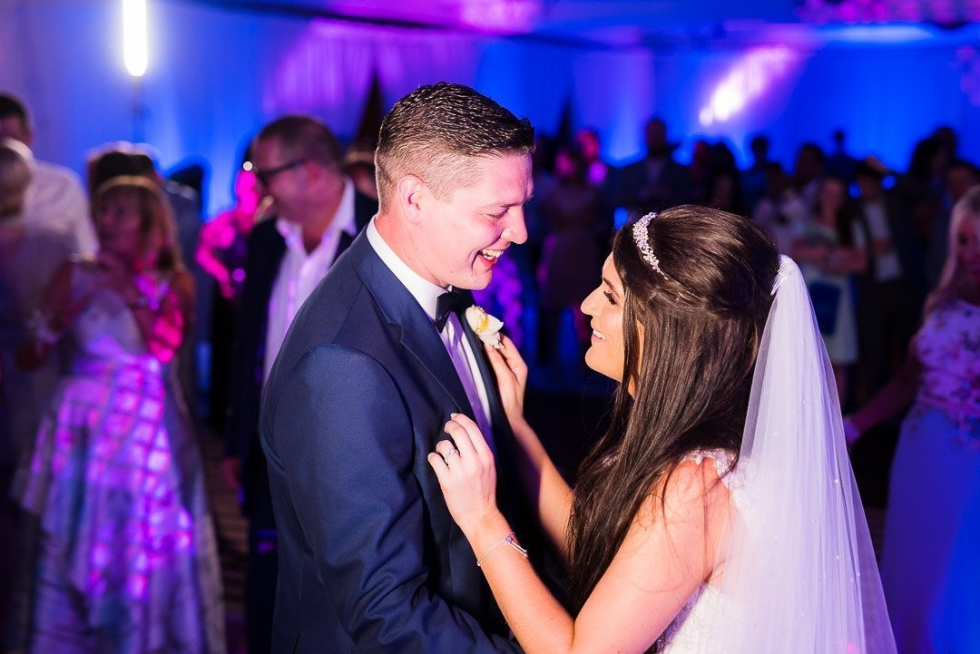 High end Wedding Photography in Mallorca with Bride and Groom's First Dance. Heirate auf Mallorca