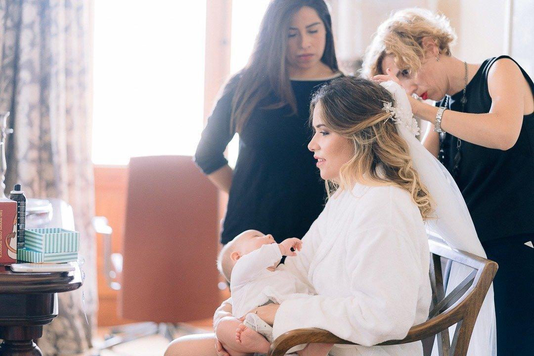 Bride getting hair and makeup at Hilton Sa Torre Hotel. Destination Wedding Mallorca.