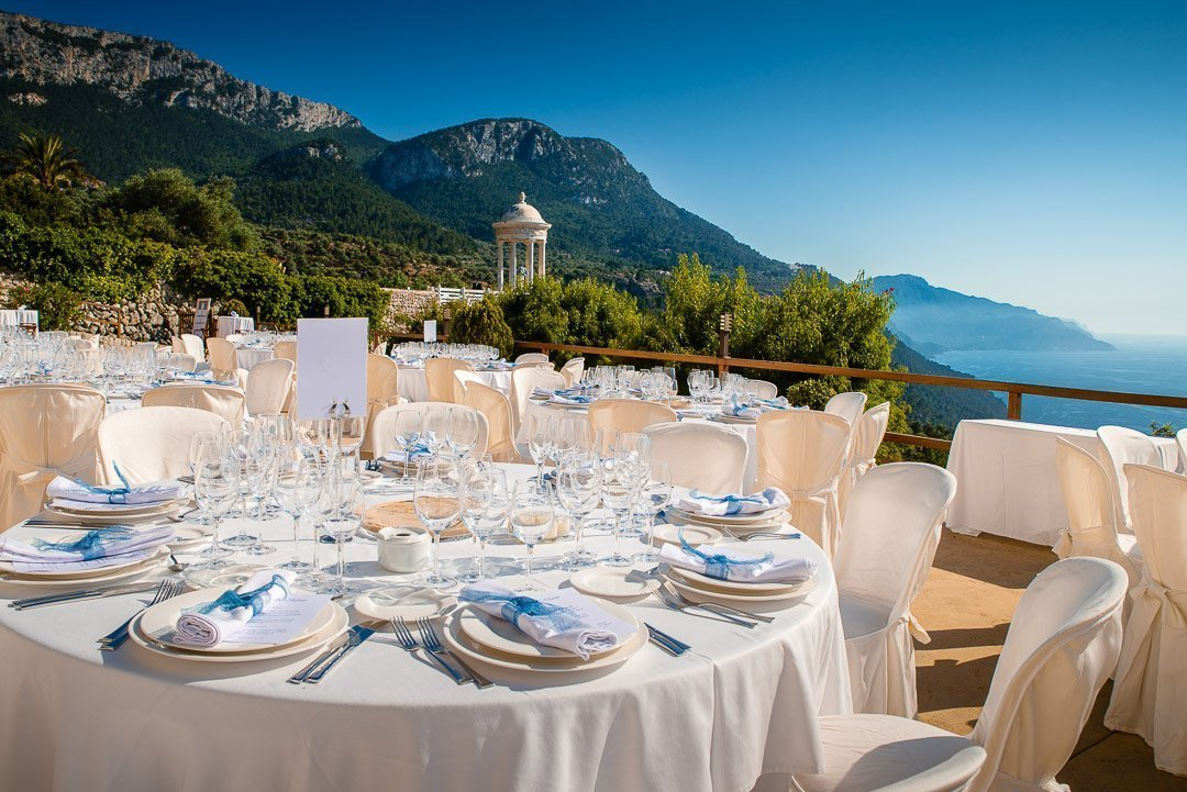 Fabulous wedding in Mallorca, with the incredible Finca Son Marroig and Catering from Tot a Punt. L&M